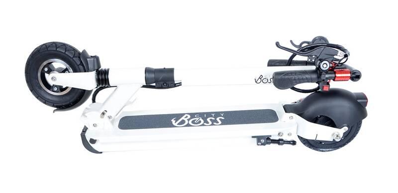 City Boss RX5 se skládá v kloubu předního kola, neupíná se však za blatník, jako u jiných elektrických koloběžek