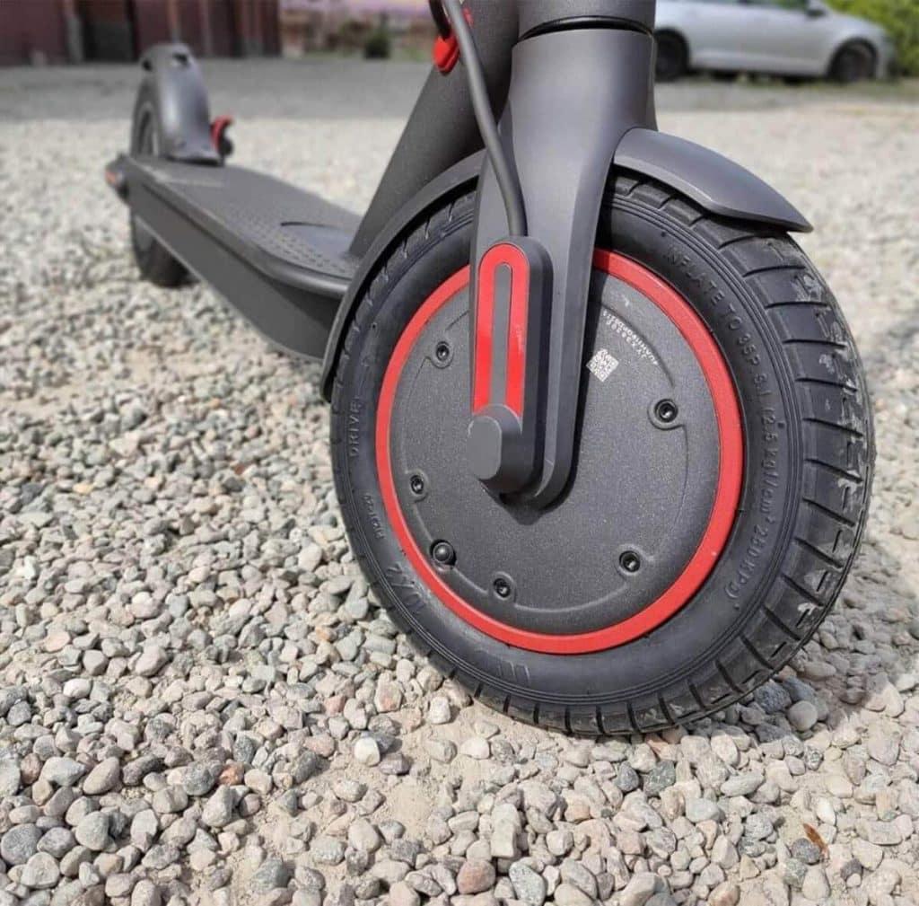 E-ABS brzda je uložena v předním kole