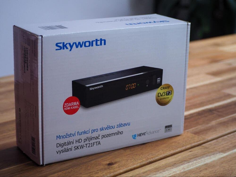 Retailové baleni set-top boxu Skyworth SKWT21FTA