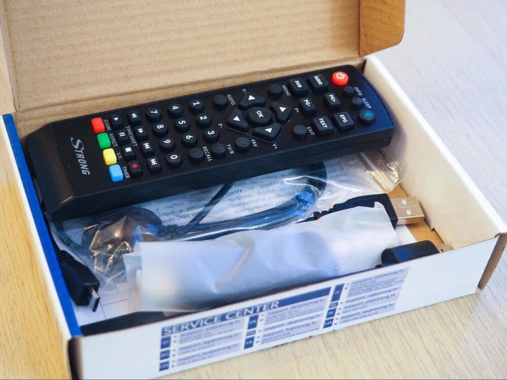 Obsah krabice set-top boxu Strong SRT 82