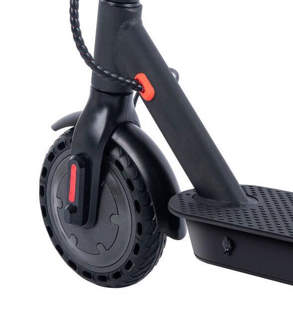 Perforované bezdušové kola na komfortu nepřidají, na druhou stranu vás nemusí trápit defekty